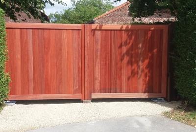 Padoek houten poort