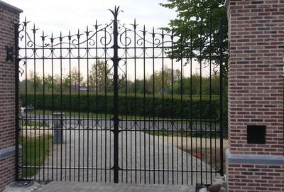 Handgesmede poort